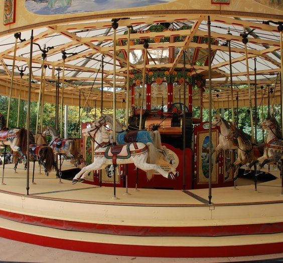 merry-go-round-169901_1280